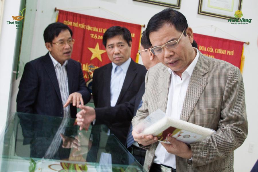 Đưa tinh hoa Việt Nam và thế giới vào quy trình sản xuất gạo Niêu Vàng tin-tuc