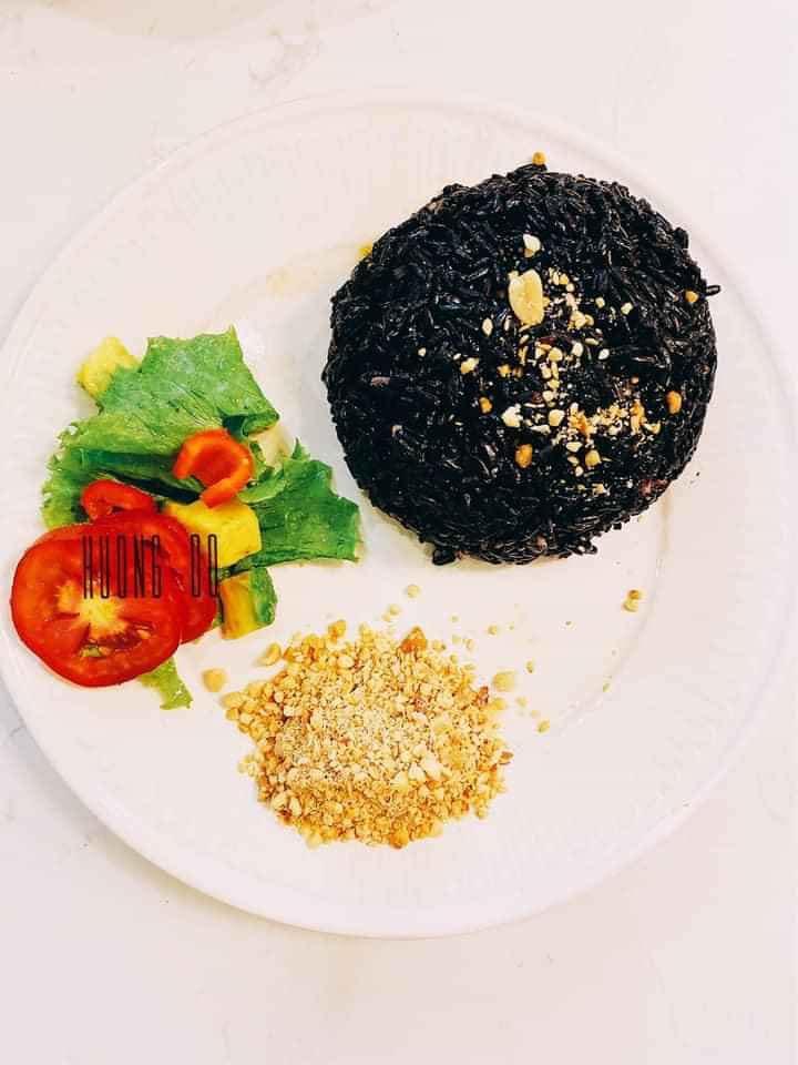 """Cách nấu cơm gạo lứt mềm, dẻo bằng nồi cơm điện """"ăn là mê"""" tin-tuc"""